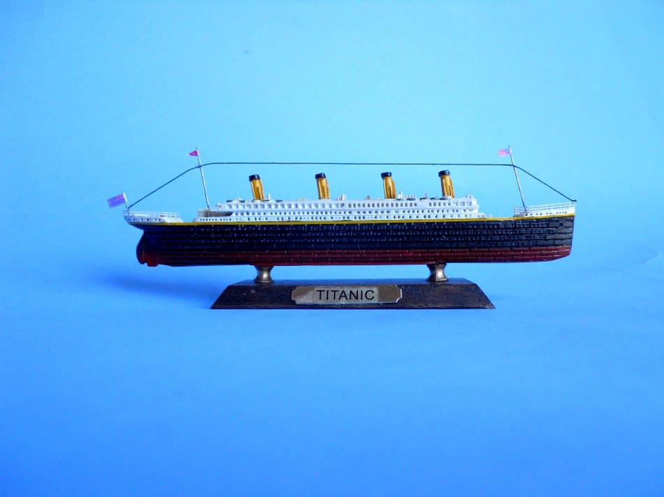 Handcrafted Model Ships Titanic 7 - LIKE RMS Titanic Limited 7""