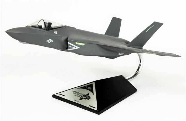 Toys and Models CF035CNCCTP Carrier Version F-35C USN, 1/48 scale model