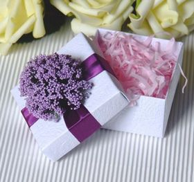 "Blank Elegant Flower Wedding Favor White Box with Tag, 2.56""L*2.56""W*1.58""H, Price/Piece"