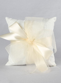 Tres Beau Ring Pillow, Ivory