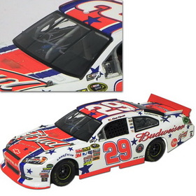 #29 Kevin Harvick 2011 Autographed Bud FanChoice 4th of July 1/24 NASCAR Diecast Car Action Platinum Series LNC -