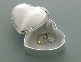 JDS Personalized Heart Trinket Box