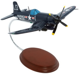 Toys and Models AM07001 F4U-1 Corsair USMC, 1/40 scale model