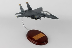 Toys and Models AM07014 F-15E Strike Eagle, 1/64 scale model