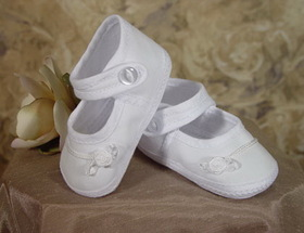 Little Things Mean A Lot 1CAGAS - Girls Cotton Batiste Shoe Accented with tiny braid