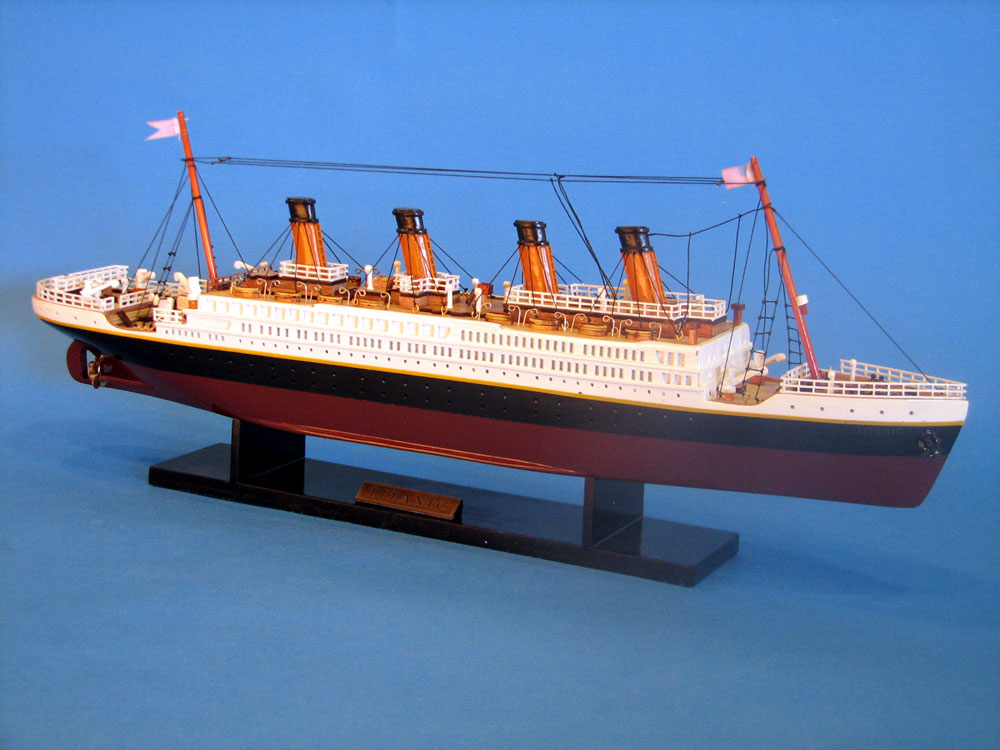 """Handcrafted Model Ships A1704 RMS Titanic Limited 20"""""""