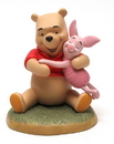 IWGAC 020-4012894 Disney Pooh Hugging Piglet
