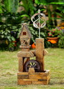 Jeco FCL146 Wood Look Birdhouse With Wind Spinner