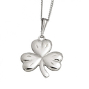 Guinness Official Merchandise PE4022 Small Celtic Shamrock Pendant With Chain 3 leaves